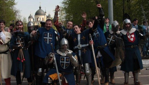 Команда военно-исторического клуба Армэ на маневрах 2012 года